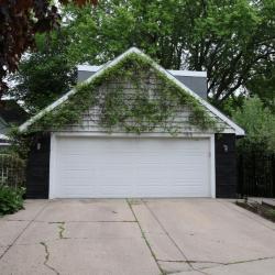 3rd St 190 garage