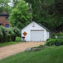 Mill St 618 garage