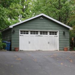 Pleasant St 780 garage