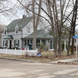 West Lake St 271 c