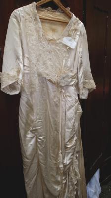 047 Mitchell 1908 wedding gown.jpg