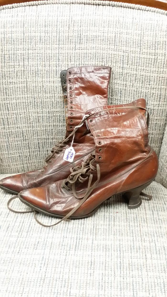 Tuckey lady's shoes