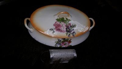 065 Hirt casserole dish & grater.jpg